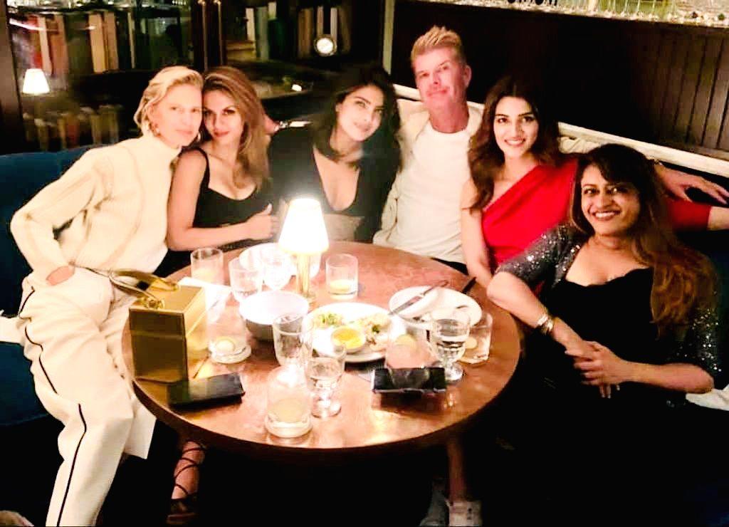 "Actress Kriti Sanon had impromptu dinner plans with Indian actress Priyanka Chopra Jonas, who she fondly called her ""girl crush"", after New York Fashion Week (NYFW). - Kriti Sanon and Priyanka Chopra Jonas"