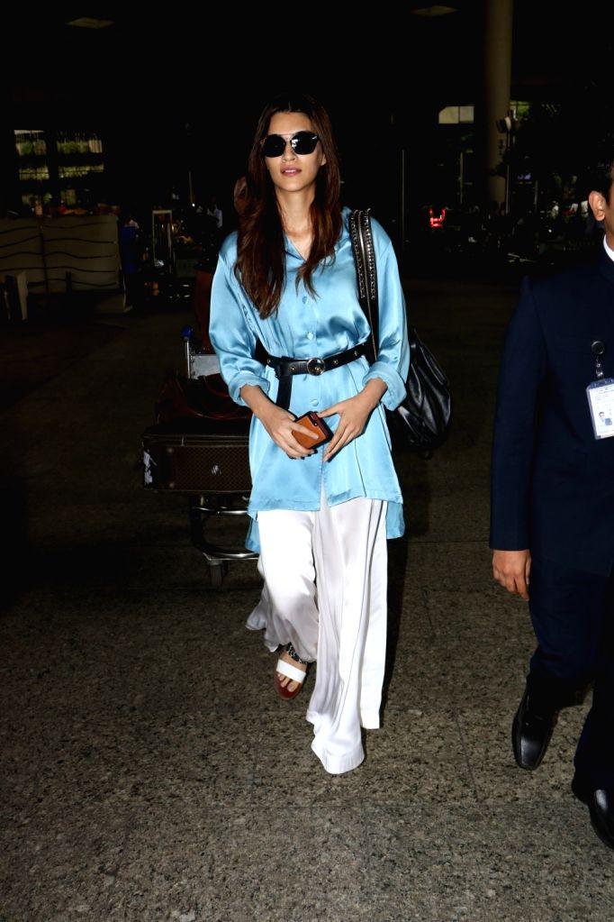 Actress Kriti Sanon seen at Chhatrapati Shivaji Maharaj International airport in Mumbai. - Kriti Sanon