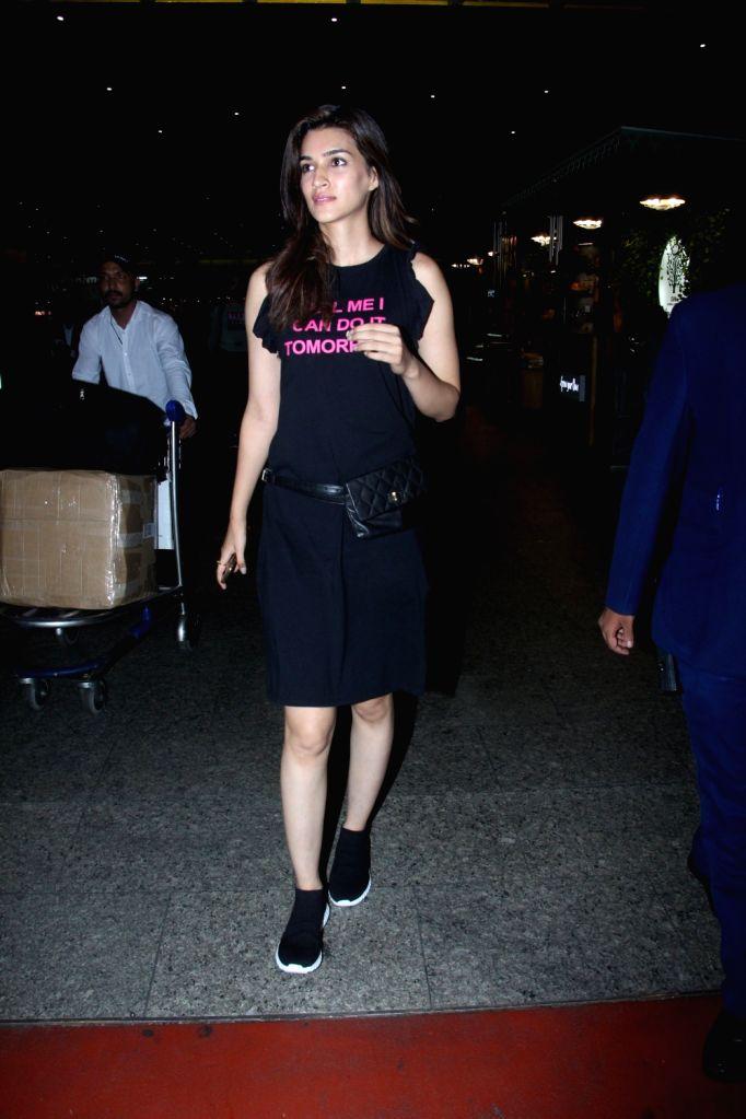 Actress Kriti Sanon seen at Chhatrapati Shivaji International Airport in Mumbai on July 23, 2018. - Kriti Sanon