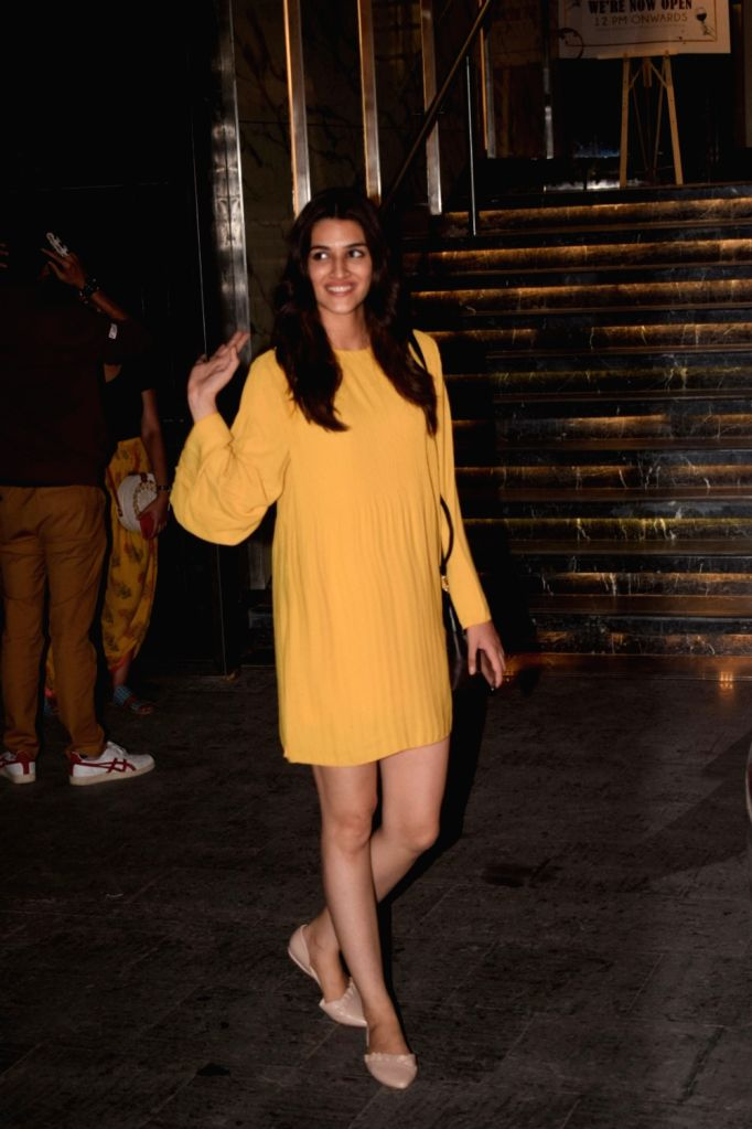 Actress Kriti Sanon seen at Mumbai's Juhu on Oct 30, 2018. - Kriti Sanon