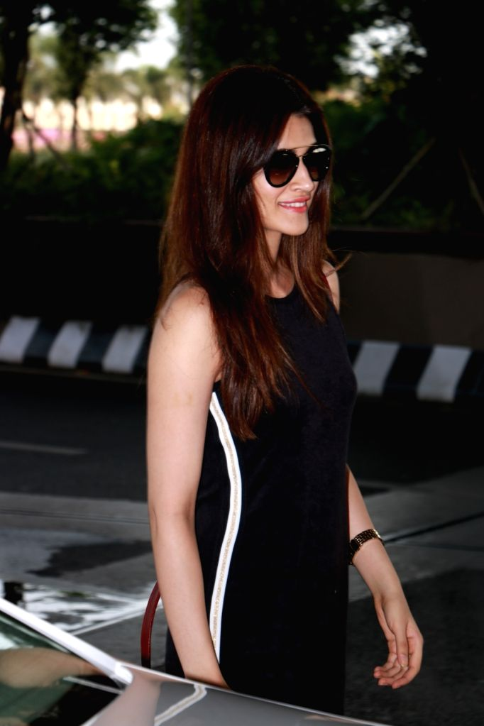 Actress Kriti Sanon spotted at airport. - Kriti Sanon