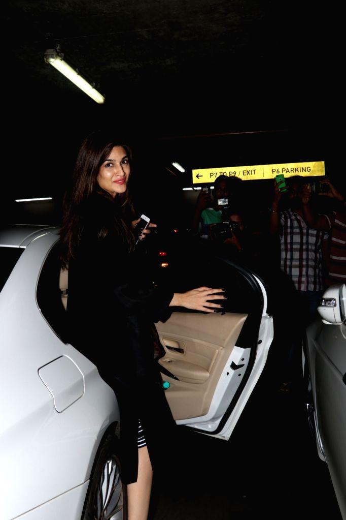 Actress Kriti Sanon spotted at Chhatrapati Shivaji Maharaj International airport in Mumbai. - Kriti Sanon