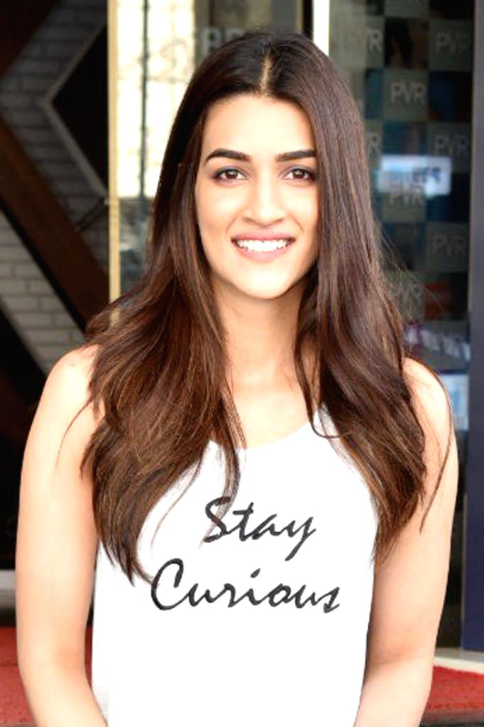 Kriti Sanon Visits A Cinema Hall Screening Luka Chuppi