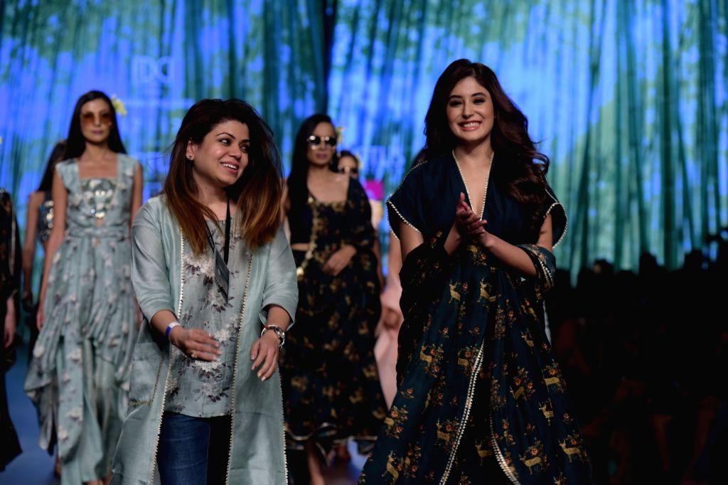 Actress Kritika Kamra showcases a creation of fashion designer Simmi Saboo on the third day of Lotus India Fashion Week in New Delhi, on March 15, 2019. - Kritika Kamra