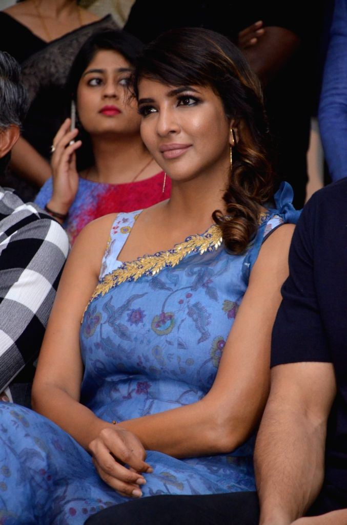 Actress Lakshmi Manchu during the launch of Colossal Abstracts by Bharat Thakur's Art Exhibition. - Lakshmi Manchu