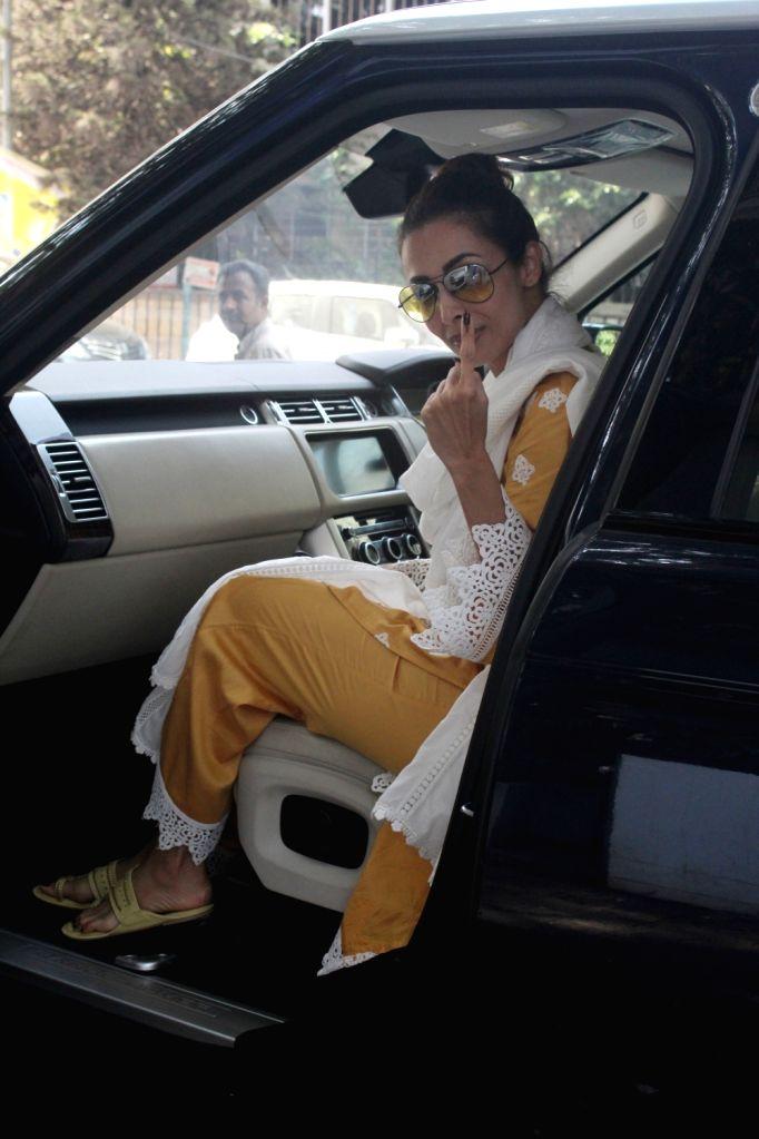 Actress Malaika Arora seen at Mumbai's Bandra on April 29, 2019. - Malaika Arora