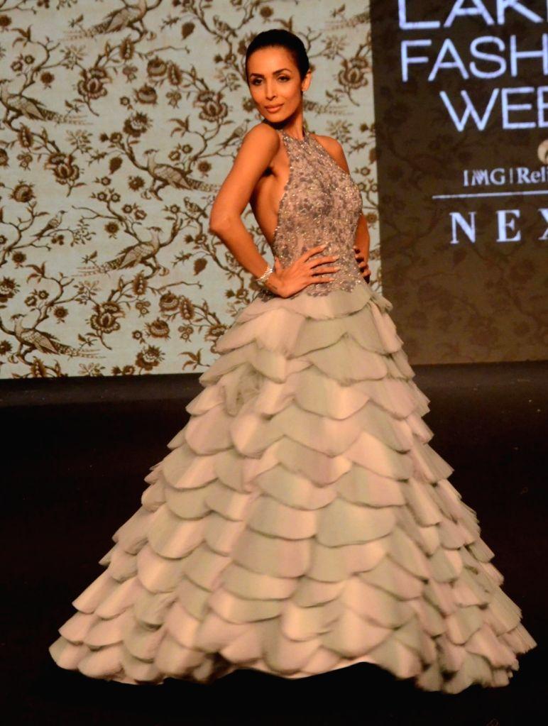 Actress Malaika Arora showcases fashion designer Manoj Agarwal's creation during Lakme Fashion Week (LFW) Summer/Resort 2019 in Mumbai on Feb. 2, 2019. - Malaika Arora