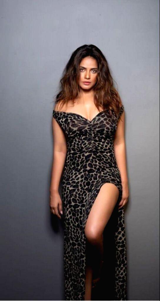 Actress Neetu Chandra - Neetu Chandra