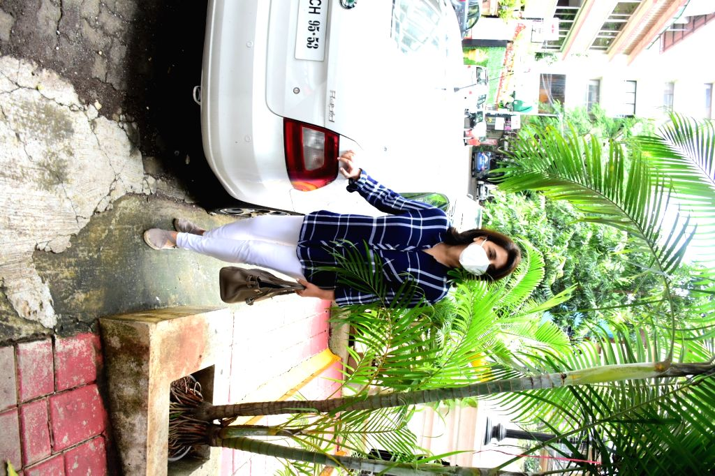 Actress Neetu Singh seen at Bandra in Mumbai on July 31, 2020. - Neetu Singh