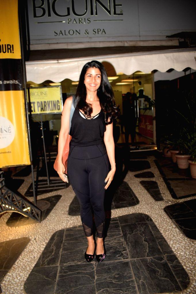 Actress Nimrat Kaur seen in Mumbai's Juhu on May 23, 2018. - Nimrat Kaur