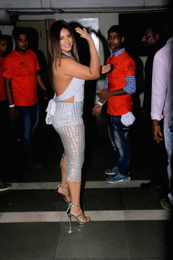 """Actress Nitu Chandra at live concert """"Love for Life Begins With Music"""" for the Cancer Patients Aid Association (CPAA) in Mumbai on May 31, 2018. - Nitu Chandra"""