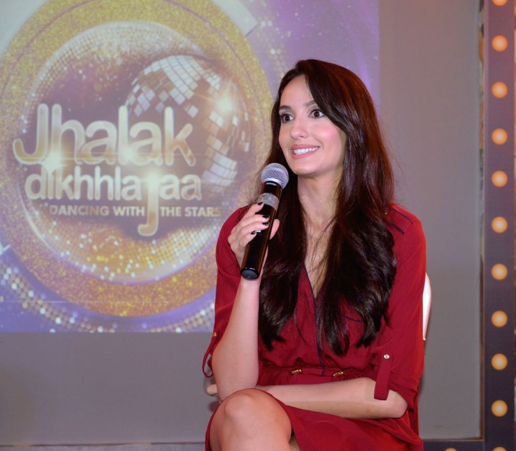 Actress Nora Fatehi addresses a press conference regarding dance reality show Jhalak Dikhhla Jaa in Nagpur on July 27, 2016. - Nora Fatehi