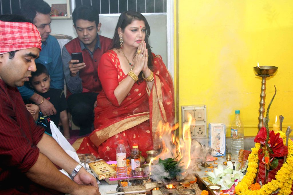 Actress Pallavi Chatterjee during Lakshmi Puja at her home in Kolkata, on Oct 26, 2015.
