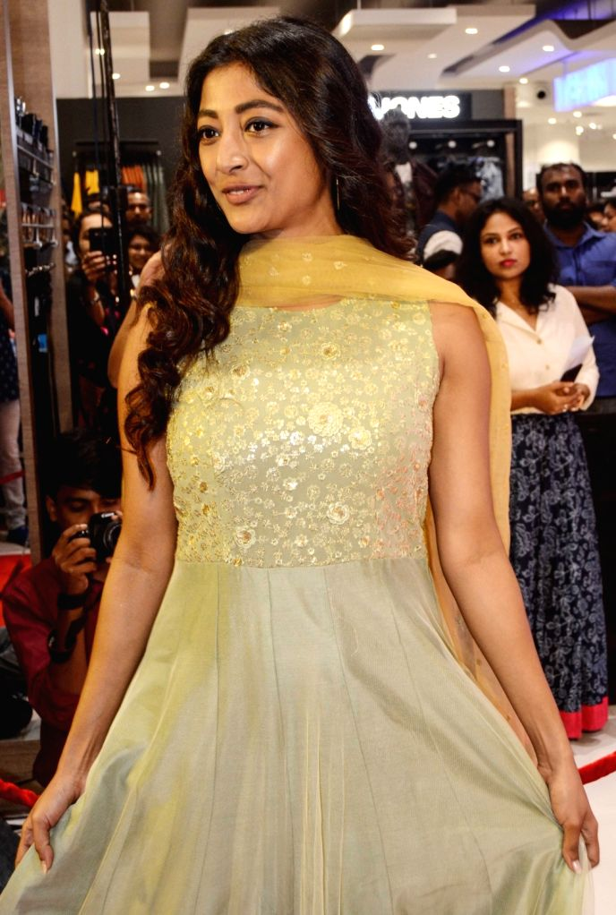 """Actress Paoli Dam during the inaugural ceremony of """"Shoppers Stop Puja Bazar 2019"""" in Kolkata on Sep 3, 2019. - Paoli Dam"""