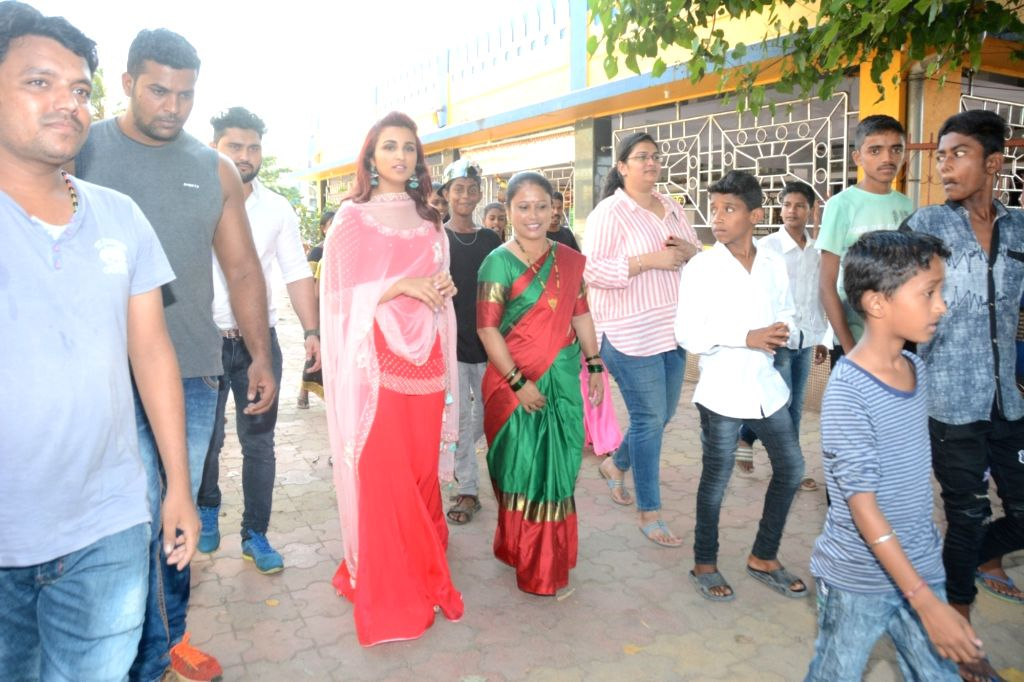 Actress Parineeti Chopra seek blessings of Lord Ganesha in Mumbai on Sept 16, 2018. - Parineeti Chopra
