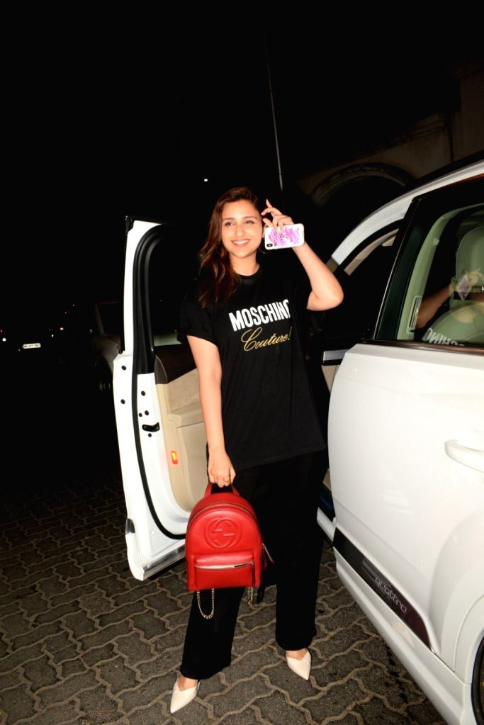 Actress Parineeti Chopra seen outside her cousin-actress Priyanka Chopra's house in Mumbai's Juhu, on April 24, 2019. - Parineeti Chopra and Priyanka Chopra