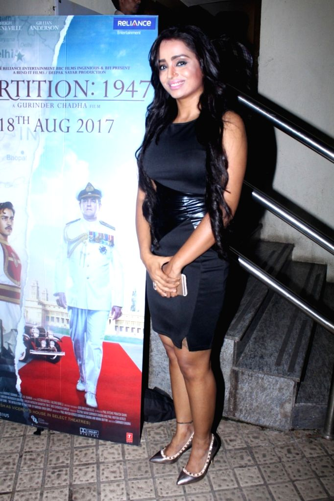 """Actress Parul Chauhan during the special screening of film """"Partition: 1947"""" in Mumbai on Aug 17, 2017. - Parul Chauhan"""