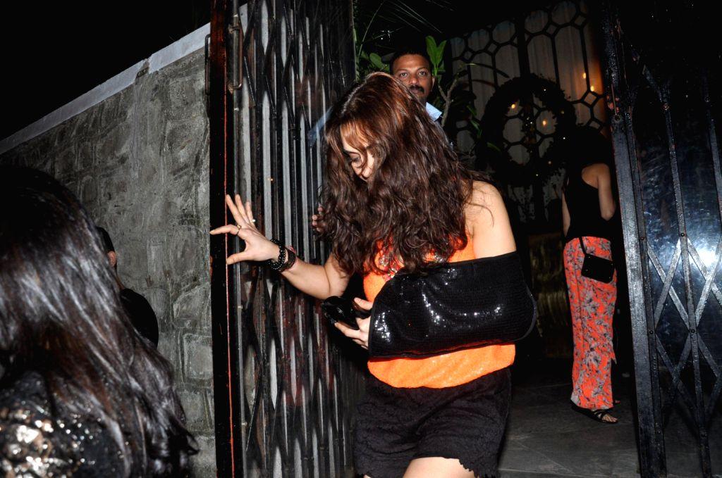 Actress Preity Zinta during the success party of film R....Rajkumar hosted by Shahid Kapoor in Mumbai on Friday, December 13th, 2013. - Preity Zinta and Shahid Kapoor