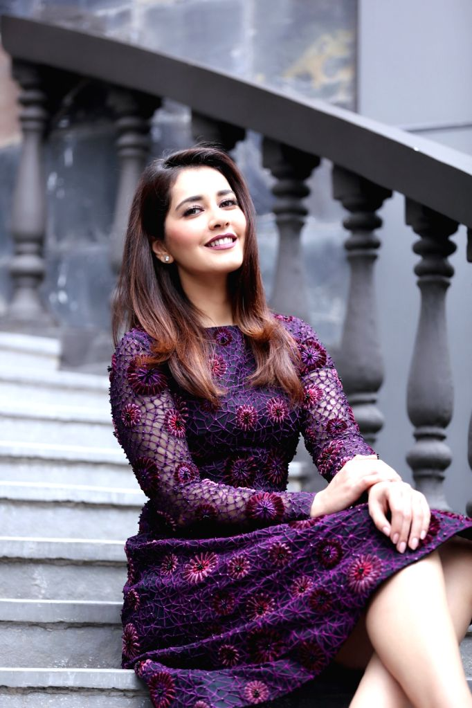 Actress Raashi Khanna Photo Shoot in Hyderabad. - Raashi Khanna Photo Shoot