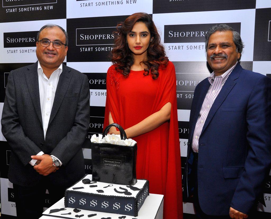 Actress Ragini Dwivedi, Brigade Enterprises Ltd CEO-Retail & Commercial Vishal Mirchandani and Shoppers Stop Ltd Customer Care Associate & MD Govind Shrikhande at the inauguration ... - Ragini Dwivedi