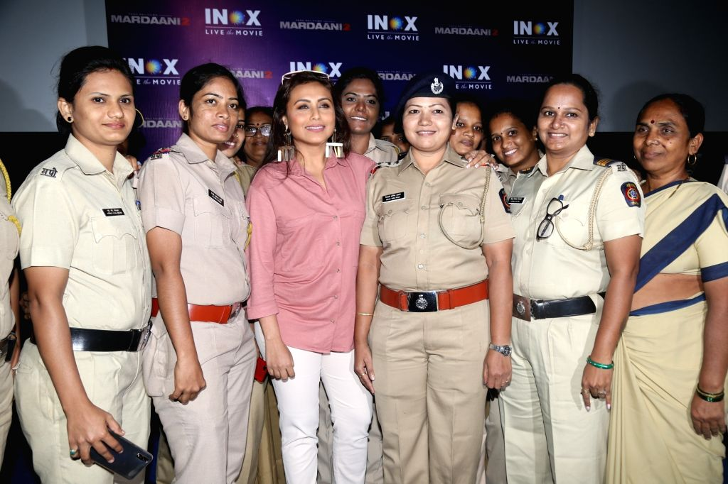 """Actress Rani Mukerjee with women police personnel at the screening of her upcoming film """"Mardaani 2"""", in Mumbai on Dec 11, 2019. - Rani Mukerjee"""