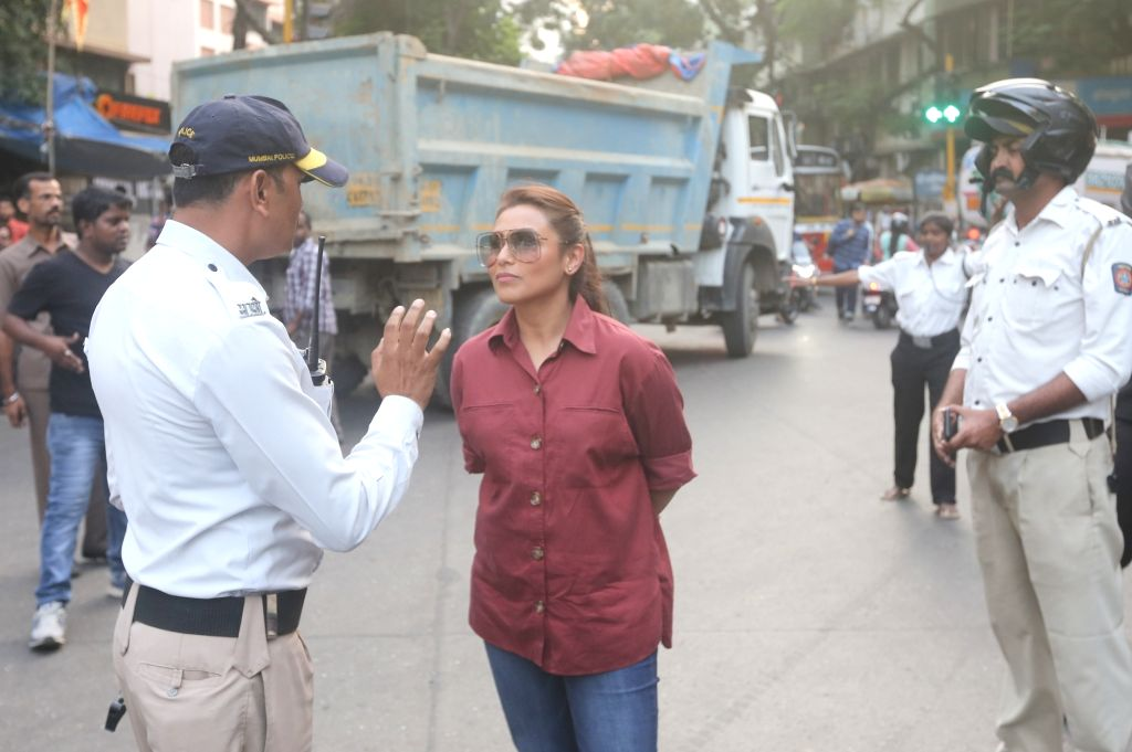 """Actress Rani Mukerji, who plays a cop in """"Mardaani 2"""", has urged women of the country to join the police force in large numbers. - Rani Mukerji"""