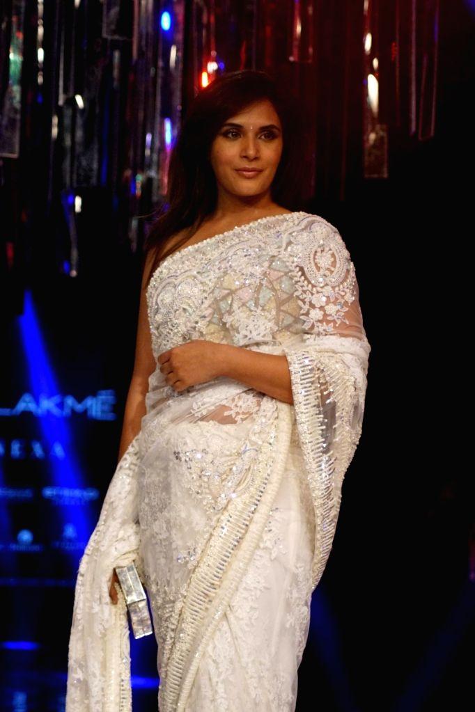 Actress Richa Chadda during the Lakme Fashion Week Winter/Festive 2017 in Mumbai on Aug 20, 2017. - Richa Chadda