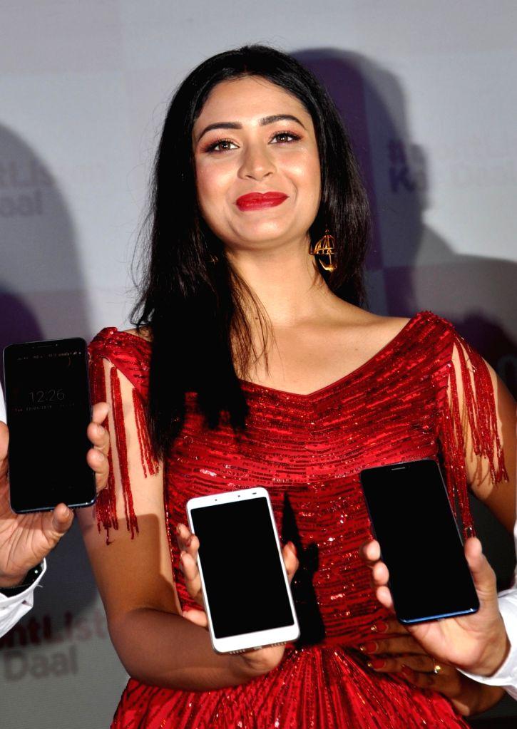 Actress Ritabhari Chakraborty at the launch of Comio X1 Note smartphone, in Kolkata on May 22, 2018. - Ritabhari Chakraborty