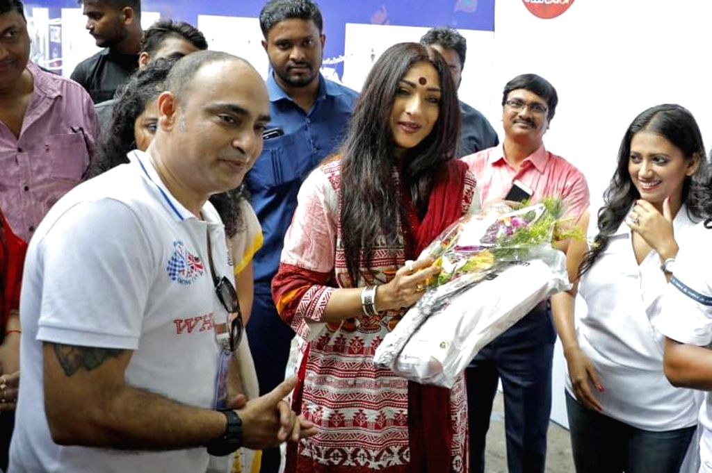 Actress Rituparna Sengupta during a programme organised to unveil 'Wall of Kindness???, an initiative to brighten the lives of underprivileged children ahead of Durga Puja celebrations, in ... - Rituparna Sengupta