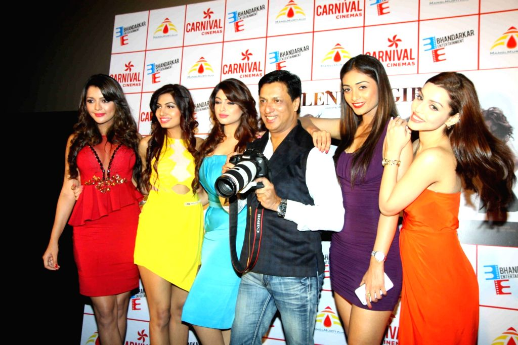 Actress Ruhi Singh, Avani Modi, Satarupa Pyne, Kyra Dutt, Akanksha Puri and Madhur Bhandarkar during the trailer launch of film Calendar Girls in Mumbai, on Aug 18, 2015. - Ruhi Singh, Avani Modi and Kyra Dutt