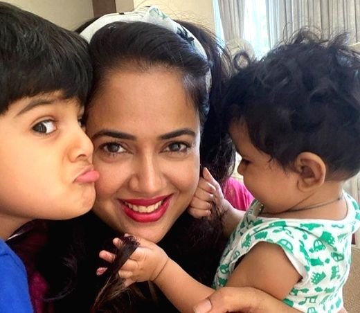 Actress Sameera Reddy. - Sameera Reddy
