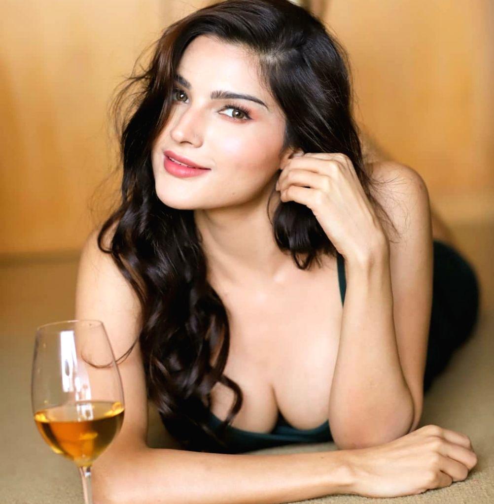 Actress Sanjna Singh. - Sanjna Singh