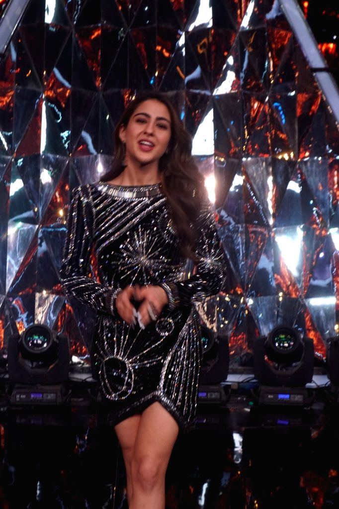 "Actress Sara Ali Khan on the sets of Indian Idol Season 10 to promote her upcoming film ""Simmba"" in Mumbai on Dec 13, 2018. - Sara Ali Khan"