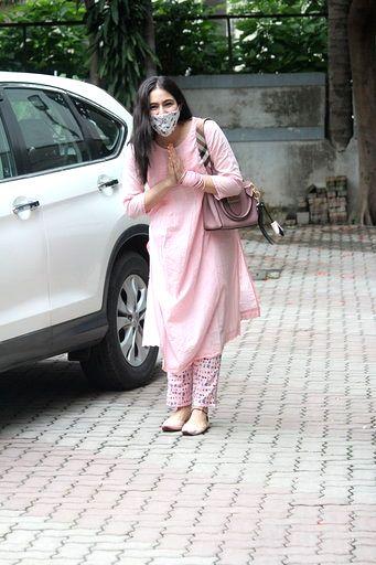 Actress Sara Ali Khan seen at filmmaker Anand L Rai's office in Mumbai's Andheri on June 30, 2020. - Sara Ali Khan and Anand L Rai