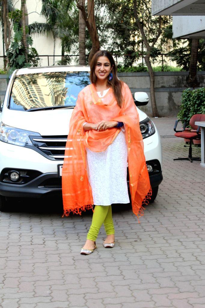 Actress Sara Ali Khan seen at filmmaker Anand L Rai's office at Andheri in Mumbai on Jan 26, 2020. - Sara Ali Khan and Anand L Rai