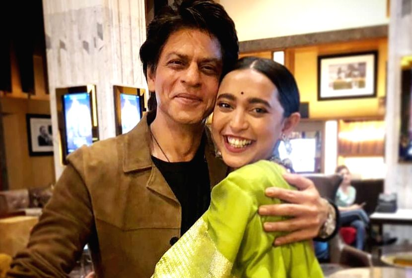 """Actress Sayani Gupta, who had worked with Shah Rukh Khan in """"Fan"""", says the superstar makes her the happiest girl in the world. She took to Instagram and penned a heartfelt post for Shah Rukh Khan. (Photo: Instagram/sayanigupta) - Sayani Gupta and Rukh Khan"""