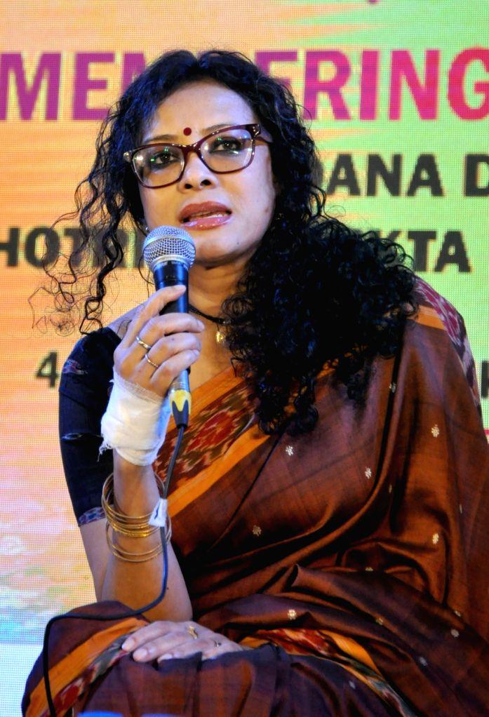 "Actress, screenwriter, children's author and daughter of Nabaneeta Dev Sen, Nandana Dev Sen addresses on ""7th Kolkata Literature Festival??? at the 44th International Kolkata Book Fair ... - Nabaneeta Dev Sen and Nandana Dev Sen"