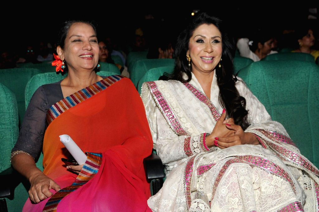 Actress Shabana Azmi with founder and vice-chairperson of VLCC during the 13th Convocation of VLCC in New Delhi on July 11, 2014. - Shabana Azmi