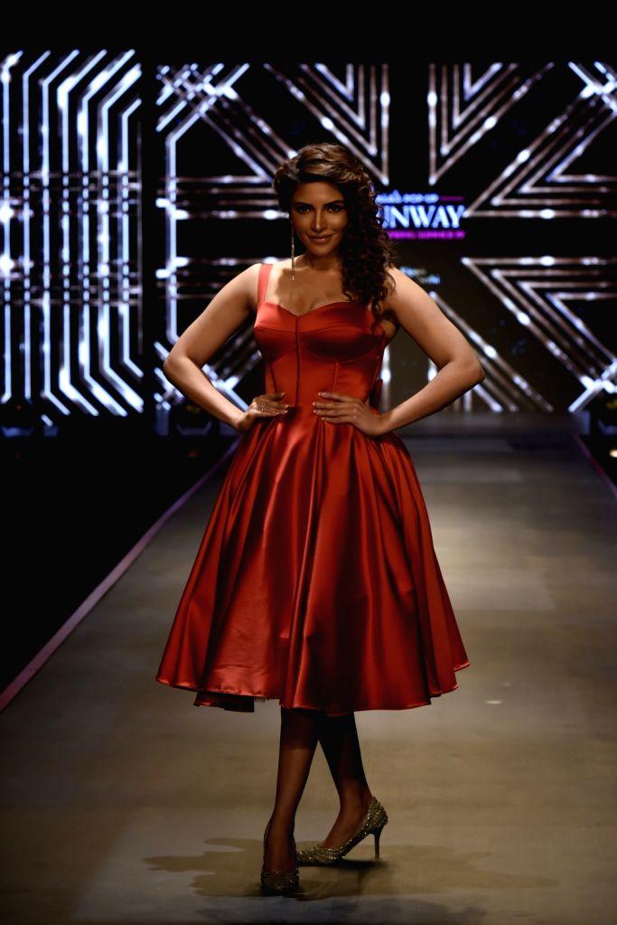 Actress Shama Sikander showcases fashion designer Rippii Sethi creation during Pernia's Pop-Up Show Spring Summer 19' in Mumbai, on Feb 13, 2019. - Shama Sikander