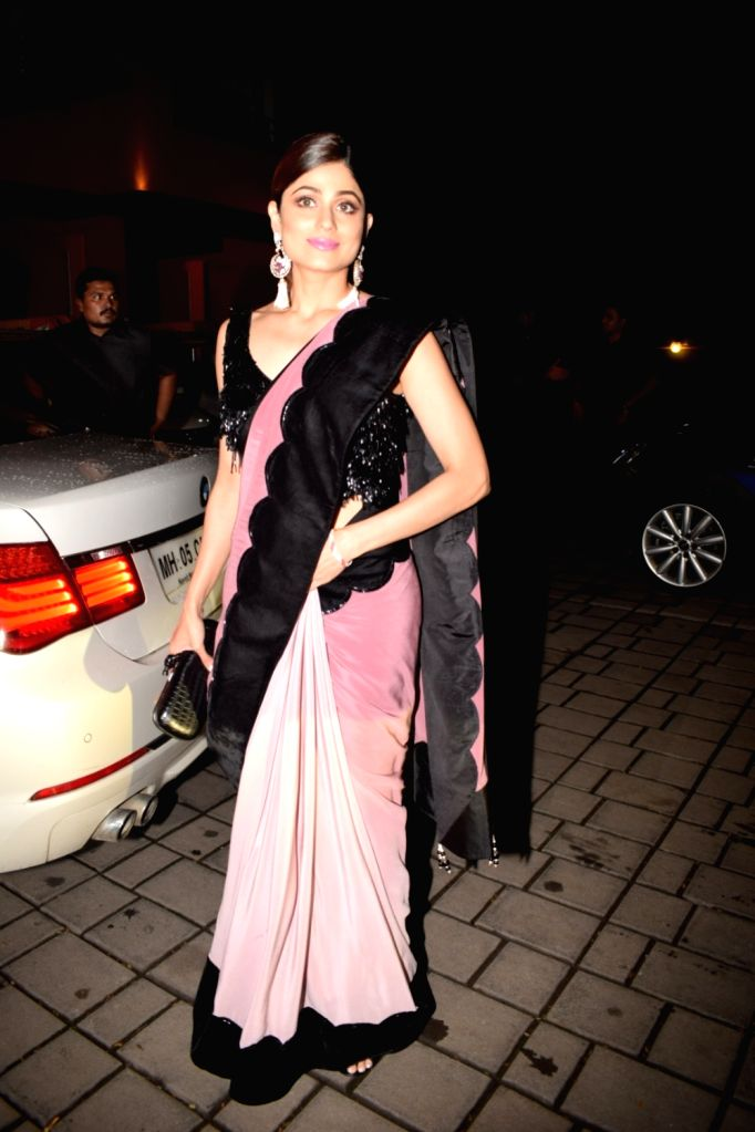 Actress Shamita Shetty at Arpita Khan`s residence for Pre-Diwali celebration in Mumbai on Oct 13, 2017. - Shamita Shetty and Arpita Khan