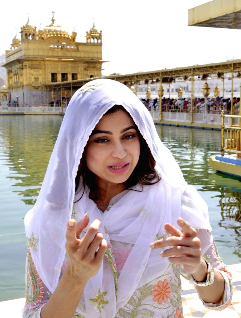 Actress Shamita Shetty during her visit to the Golden Temple in Amritsar on Sept 19, 2017. - Shamita Shetty