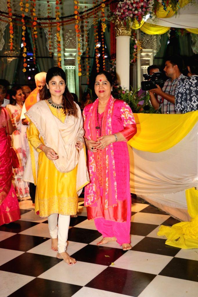 Actress Shamita Shetty with her mother Sunanda Shetty at ISKCON temple, on the occasion of Ram Navami festival, in Mumbai, on April 14, 2019. - Shamita Shetty and Sunanda Shetty
