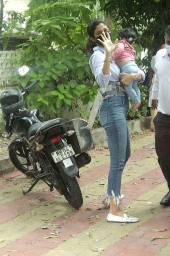 Actress Shilpa Shetty and her daughter Samisha seen at Juhu in Mumbai on Nov 20, 2020. - Shilpa Shetty