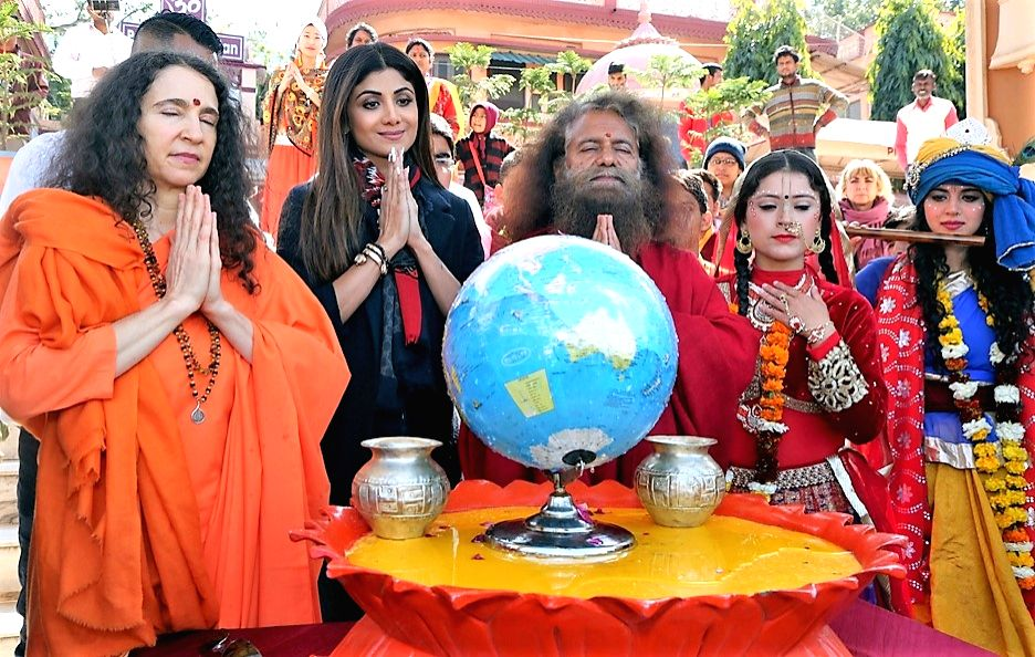 Actress Shilpa Shetty Kundra performs rituals for world peace at International Yoga festival in Rishikesh on March 5, 2019. - Shilpa Shetty Kundra