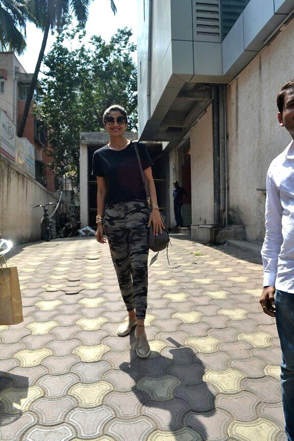 Actress Shilpa Shetty Kundra seen at Mumbai's Bandra on April 16, 2018 . - Shilpa Shetty Kundra