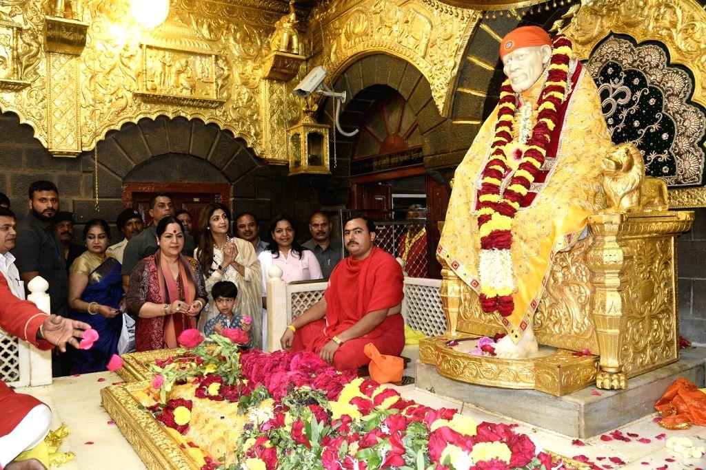 Actress Shilpa Shetty pays obeisance at Shirdi Sai Baba Temple in Ahmednagar ofMaharashtra on Aug 17, 2017. - Shilpa Shetty