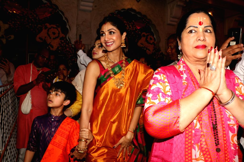 Actress Shilpa Shetty with her son Viaan Raj Kundra and mother Sunanda Shetty at ISKCON temple, on the occasion of Ram Navami festival, in Mumbai, on April 14, 2019. - Shilpa Shetty, Raj Kundra and Sunanda Shetty