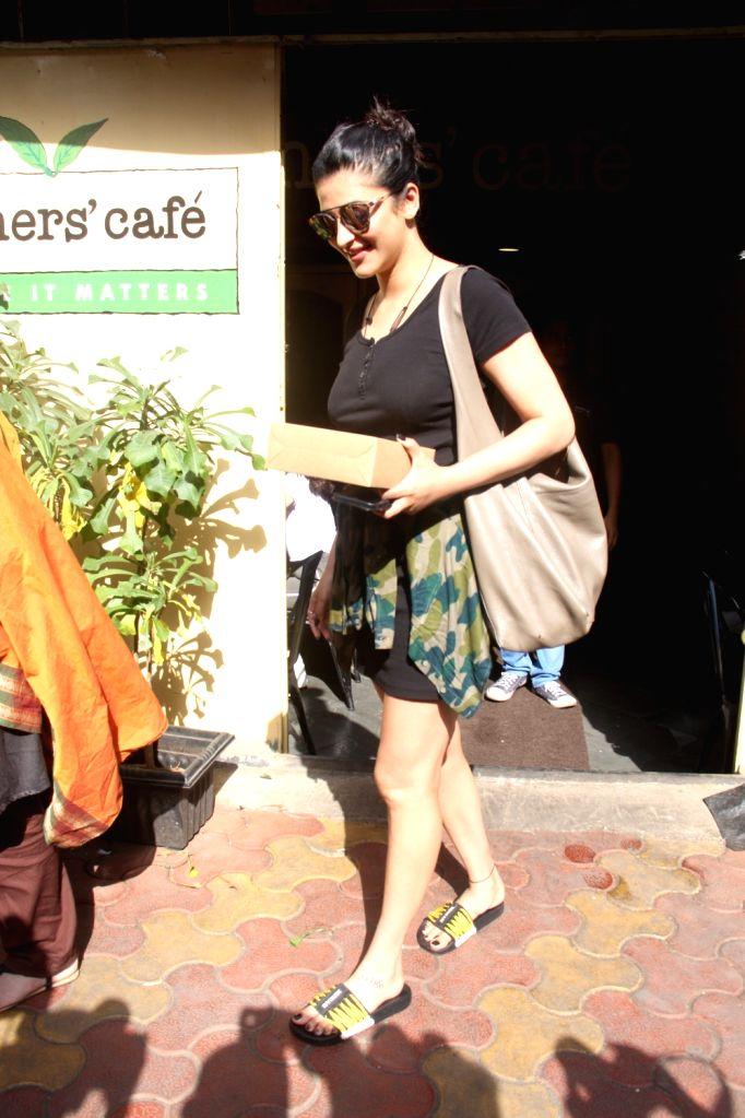 Actress Shruti Haasan seen at Mumbai's Bandra Sept 8, 2018. - Shruti Haasan