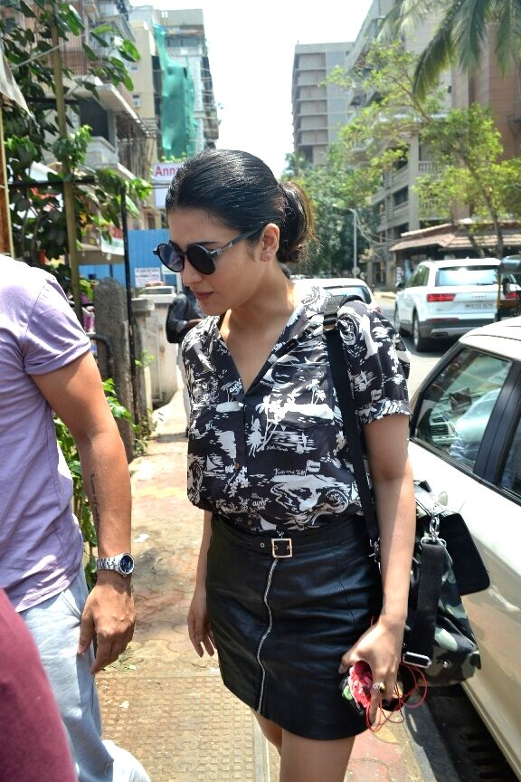 Actress Shruti Haasan with theatre artiste Michael Corsale seen at Mumbai's Bandra on April 16, 2018 . - Shruti Haasan