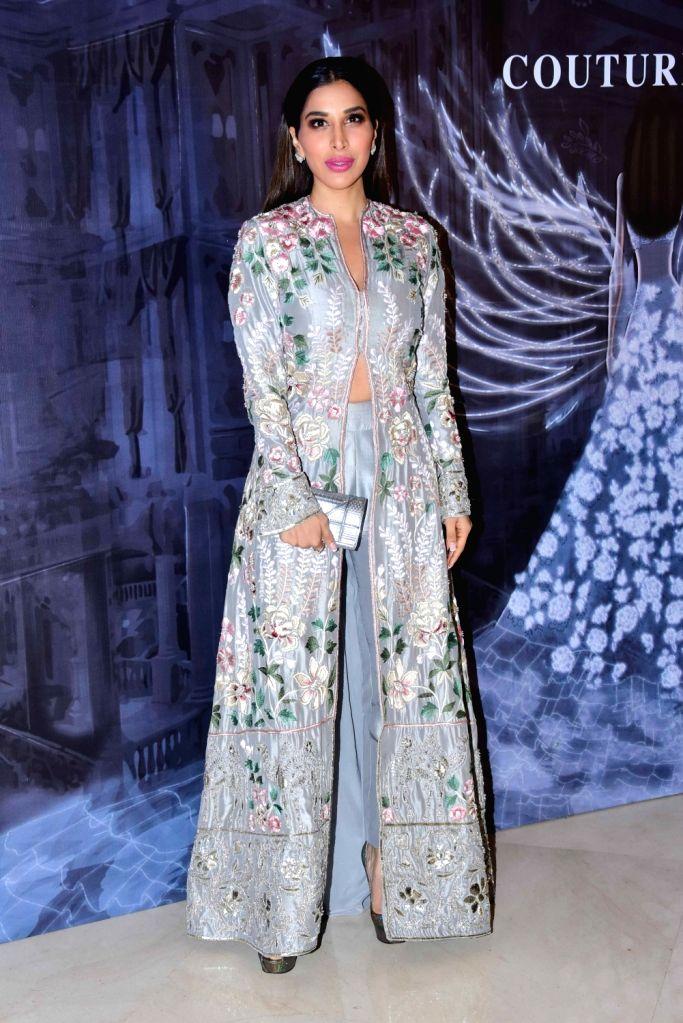 Actress-singer Sophie Choudry at the fashion designer Manish Malhotra's Haute Couture 2018 in Mumbai. - Manish Malhotra